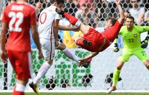 Zum Genießen: Der sensationelle Treffer von Xherdan Shaqiri gegen Polen.