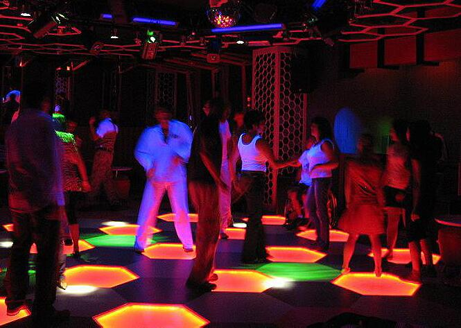 Erfolgreich flirten in der disco