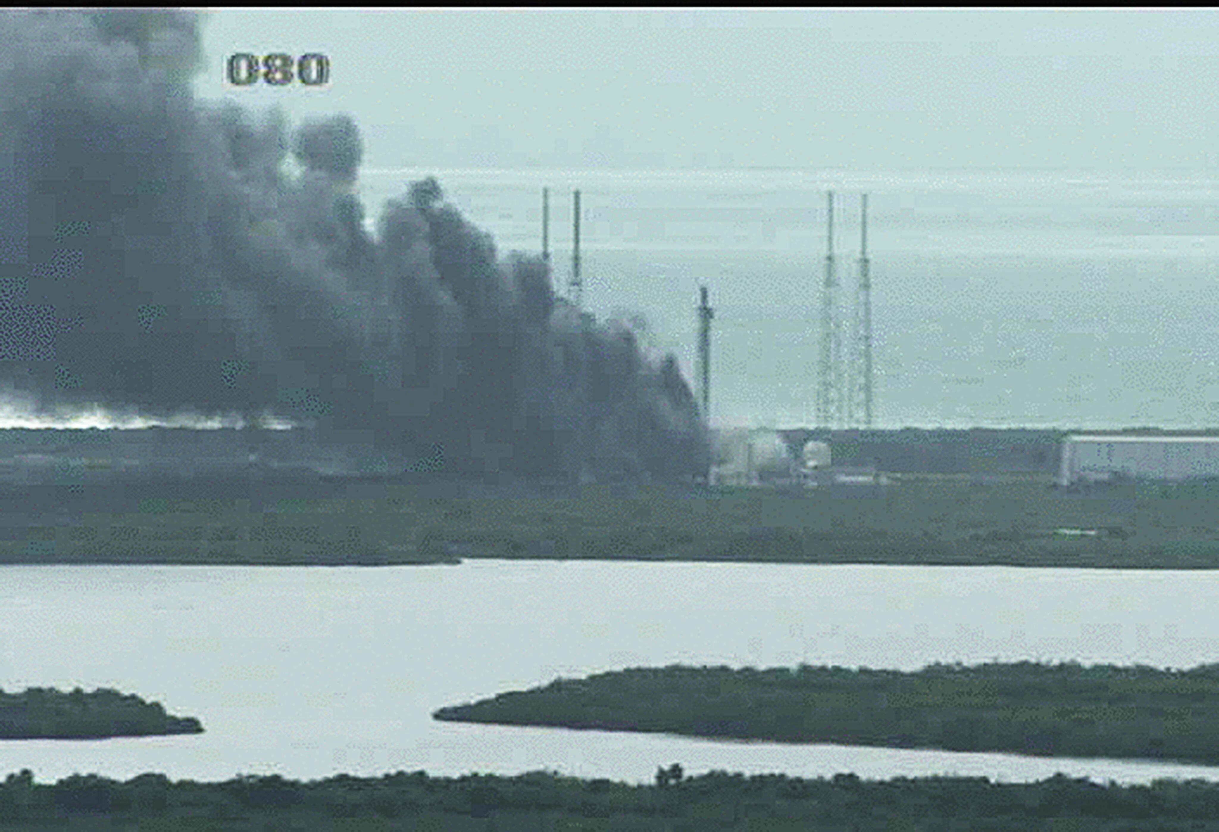 """Bild zu """"Falcon 9"""" detoniert bei Probezündung der Triebwerke."""
