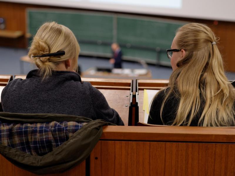 Bild zu Frauen im Hörsaal