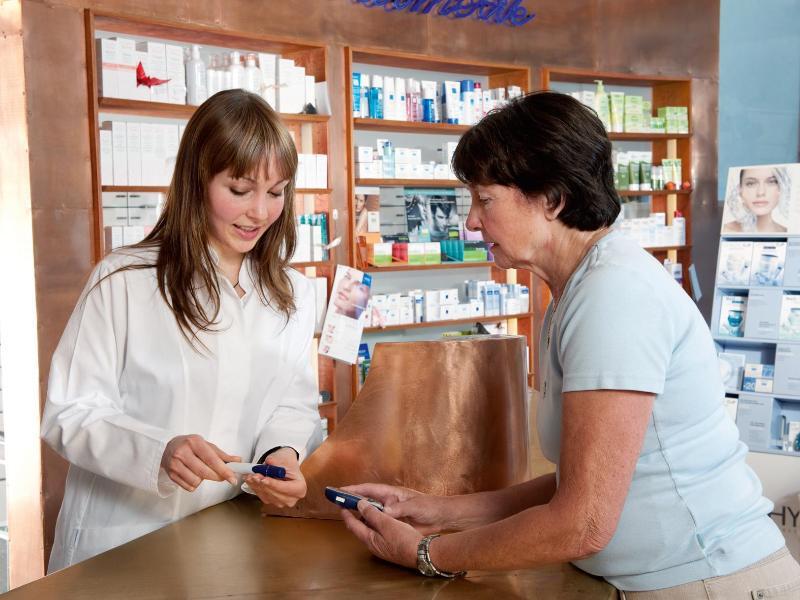 Bild zu Die rechte Hand des Pharmazeuten