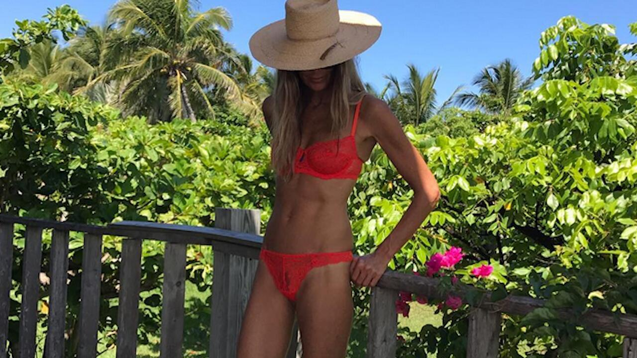 Bild zu Ratestar: Supermodel, 53 und offenbar extrem schlank