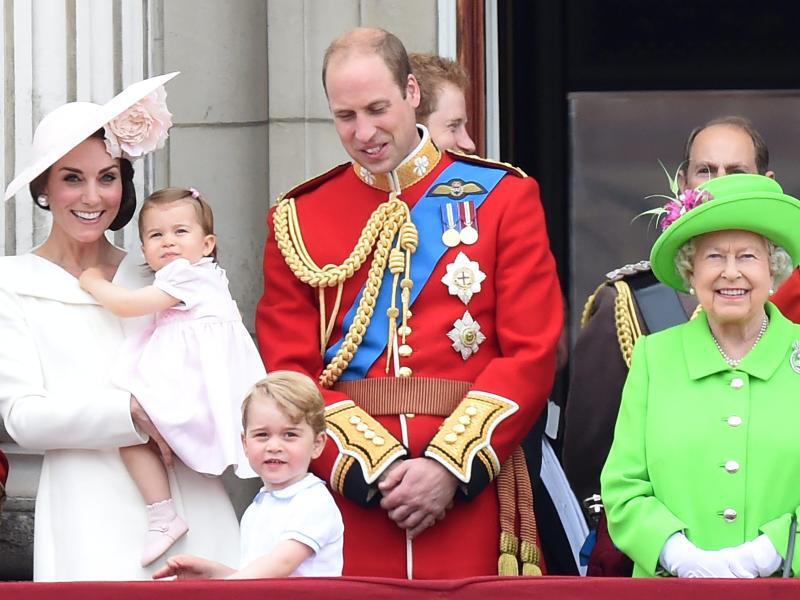 Bild zu Britische Königsfamilie