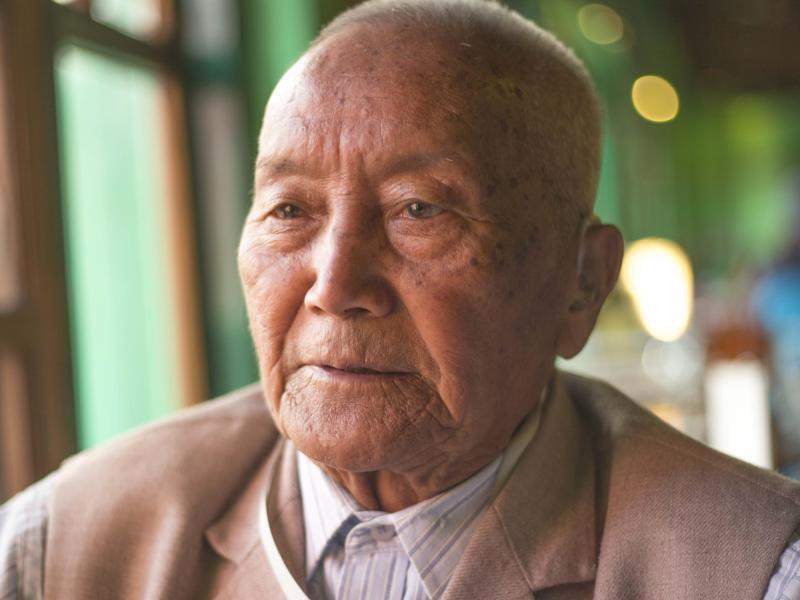 Bild zu 85-Jähriger will auf den Everest