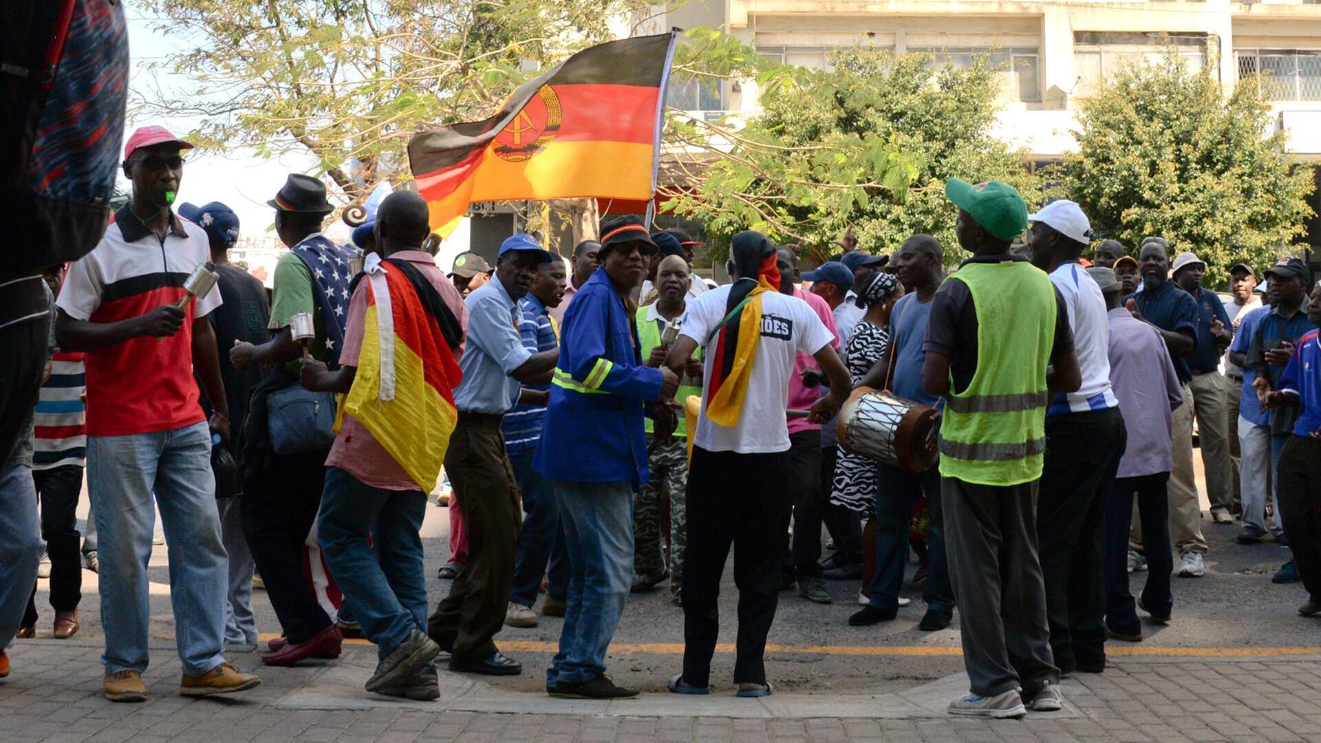 Bild zu Die vergessenen DDR-ler in Afrika