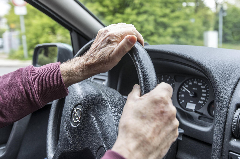 Bild zu Senioren am Steuer