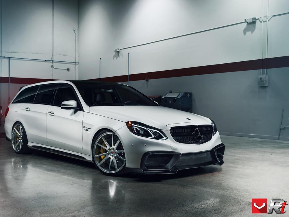 Bild zu RENNtech Mercedes E63 AMG