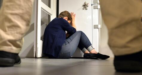 Gewalt gegen Frau, häusliche Gewalt