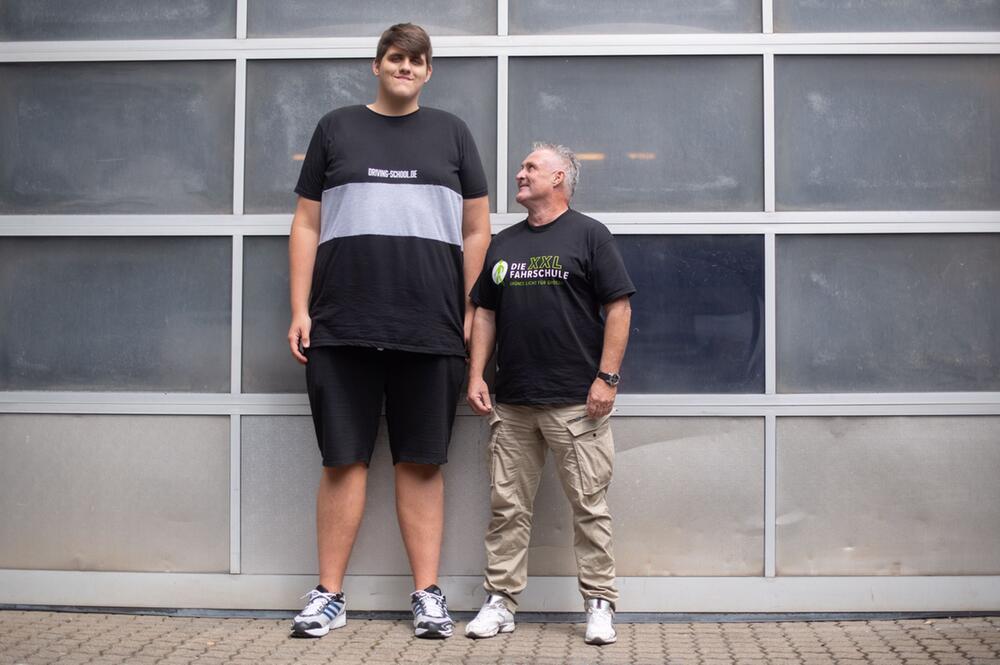 Jannik Könecke ist 2,24 Meter groß