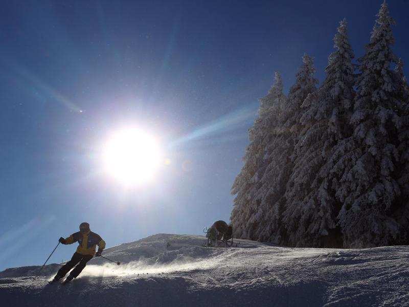 Bild zu Skifahren