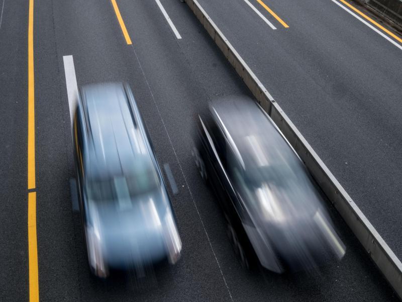 Bild zu Stockender Verkehr auf der Autobahn
