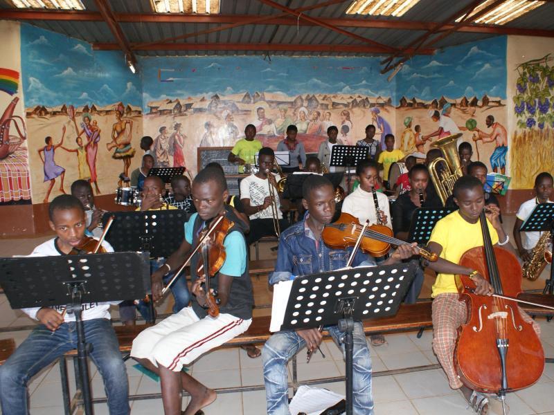 Bild zu Orchester im Slum Korogocho