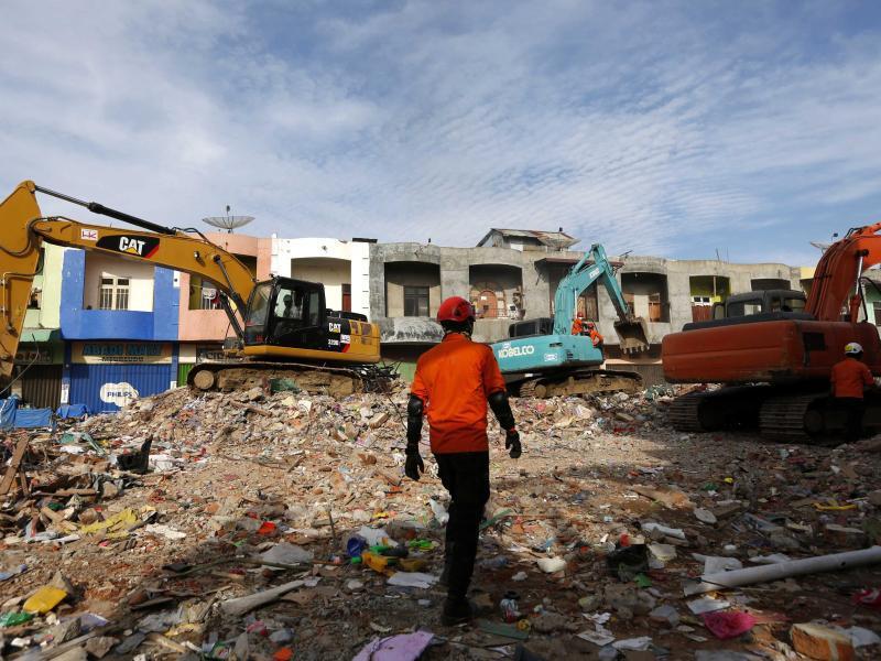 Bild zu Trümmer in Aceh