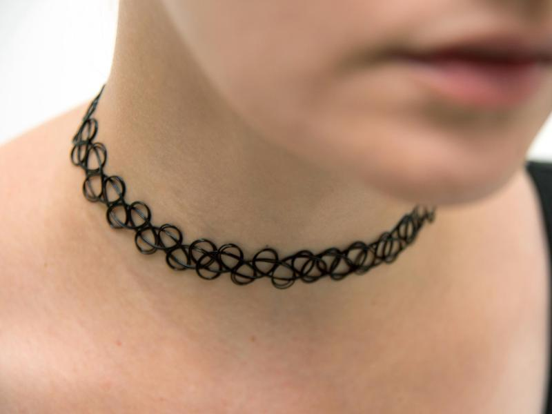 Bild zu Tattookette am Hals