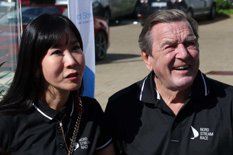 Bild zu Gerhard Schröder, Soyeon Schröder-Kim, Kiel, Kieler Woche, Segeln, Nordstream Race