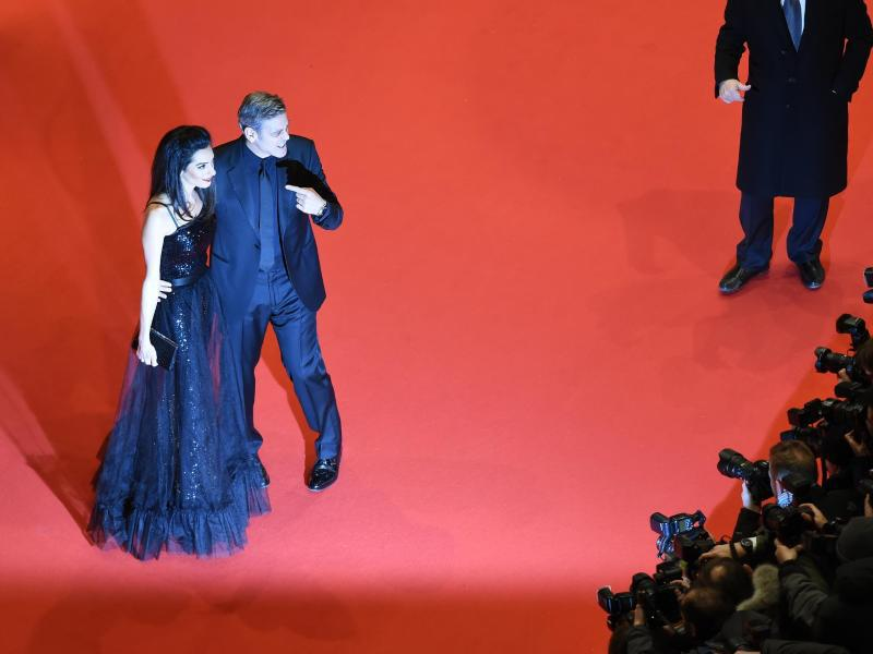 Bild zu 66. Berlinale - George & Amal Clooney