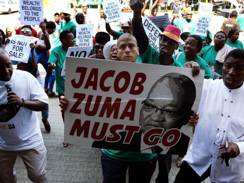 Bild zu Demonstration gegen Zuma