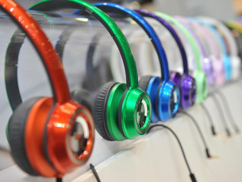 Bild zu Verschiedene Arten von Kopfhörern