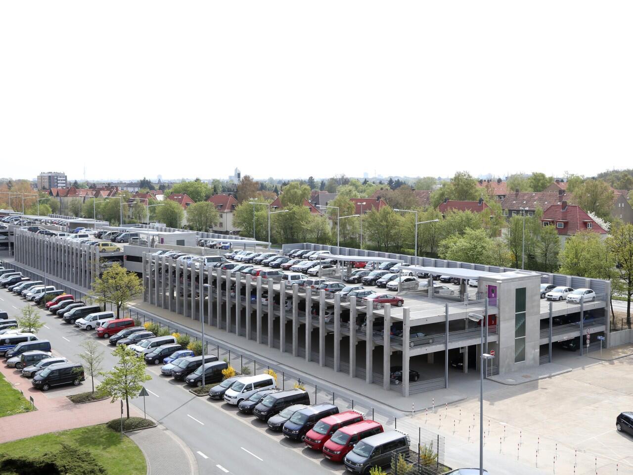 Bild zu Nicht auf jedem Parkplatz gilt die StVO