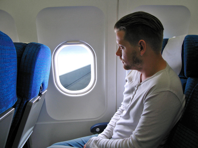 Warum Haben Viele Flugzeugfenster Kleine Löcher Webde