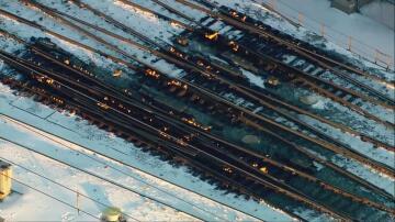 Bild zu Gleise, Chicago, Bahnhof, Feuer, Flammen, Gasbrenner, Kälte, Eiseskälte, Minustemperaturen