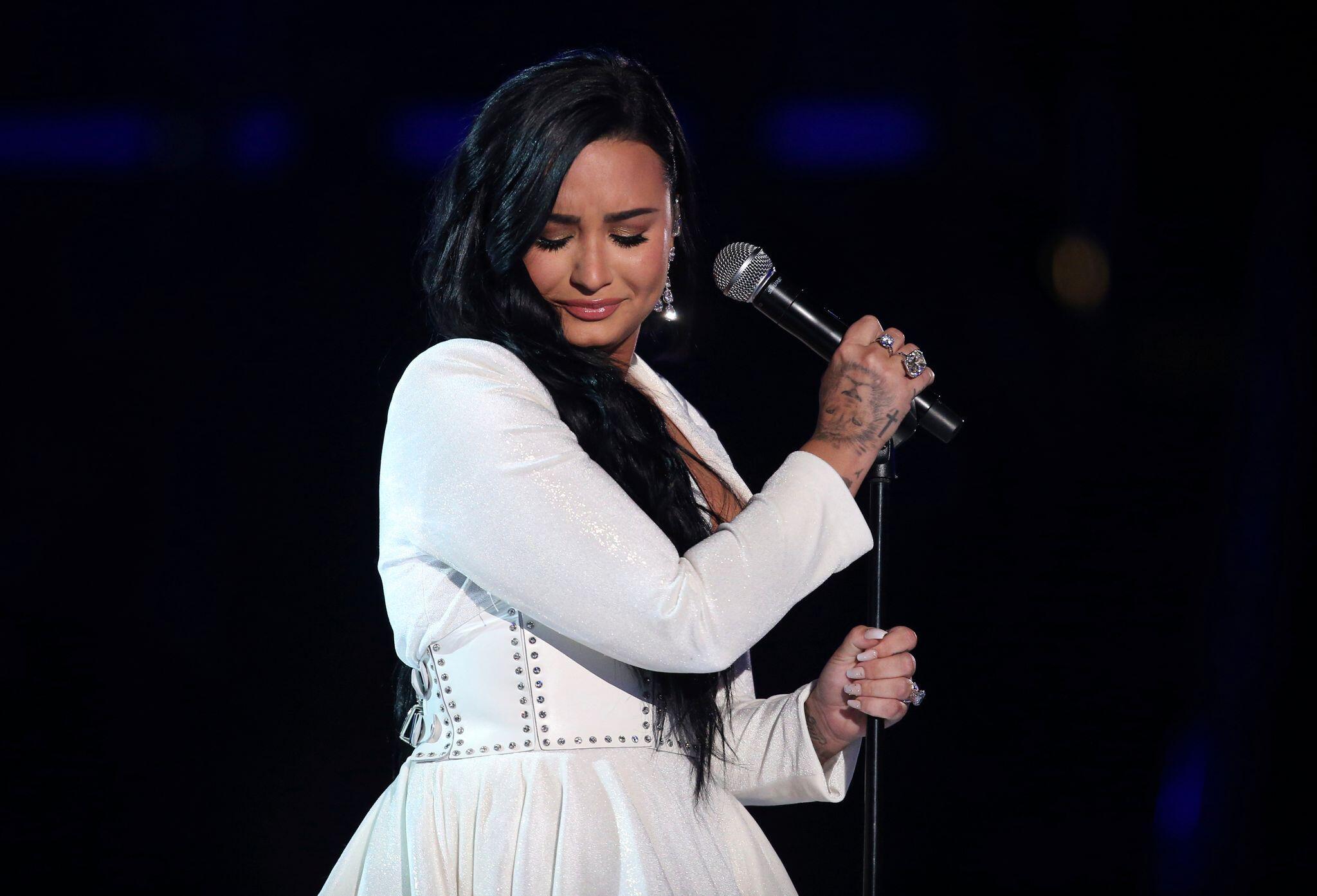 Bild zu Demi Lovato spricht in Doku-Trailer über ihre Drogenvergangenheit