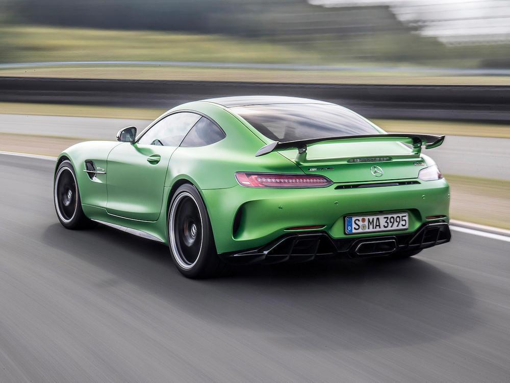 Bild zu Mercedes-AMG GT R