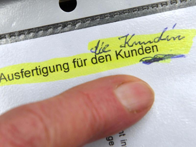 Bild zu Klage einer Sparkassenkundin