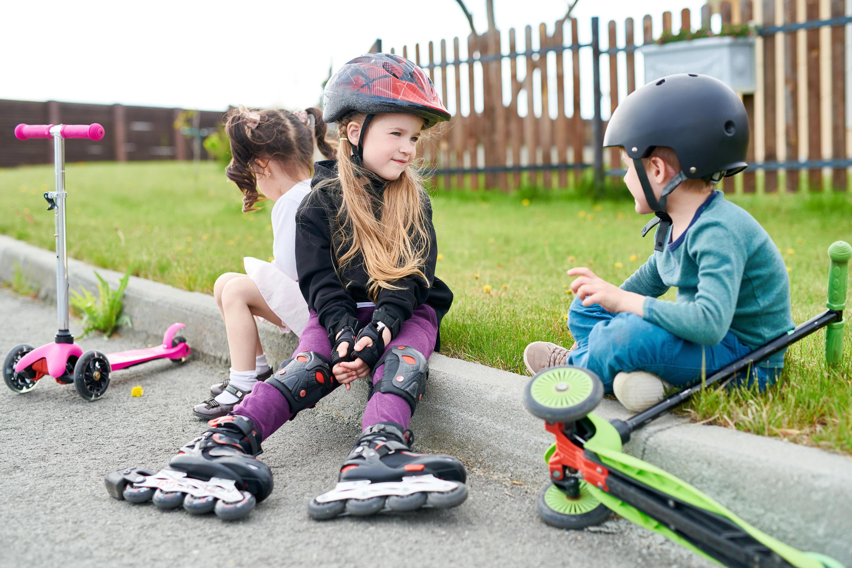 Bild zu Kids, Roller, Inlineskates, Skateboard, Ski Scooter, Freizeit, Sport, Outdoor