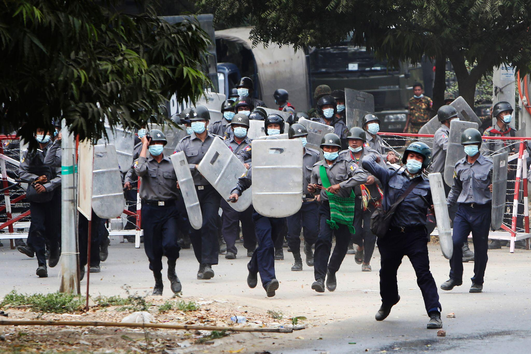 Erste Tote bei Protesten gegen Myanmars Militärjunta