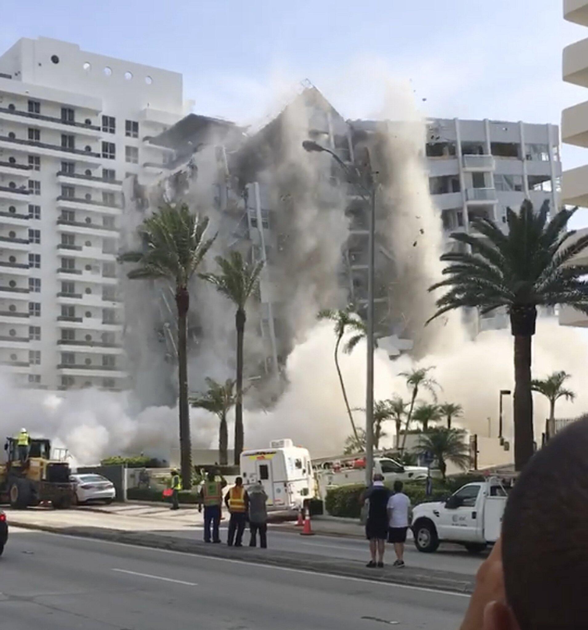 Bild zu Gebäude-Einsturz in Florida