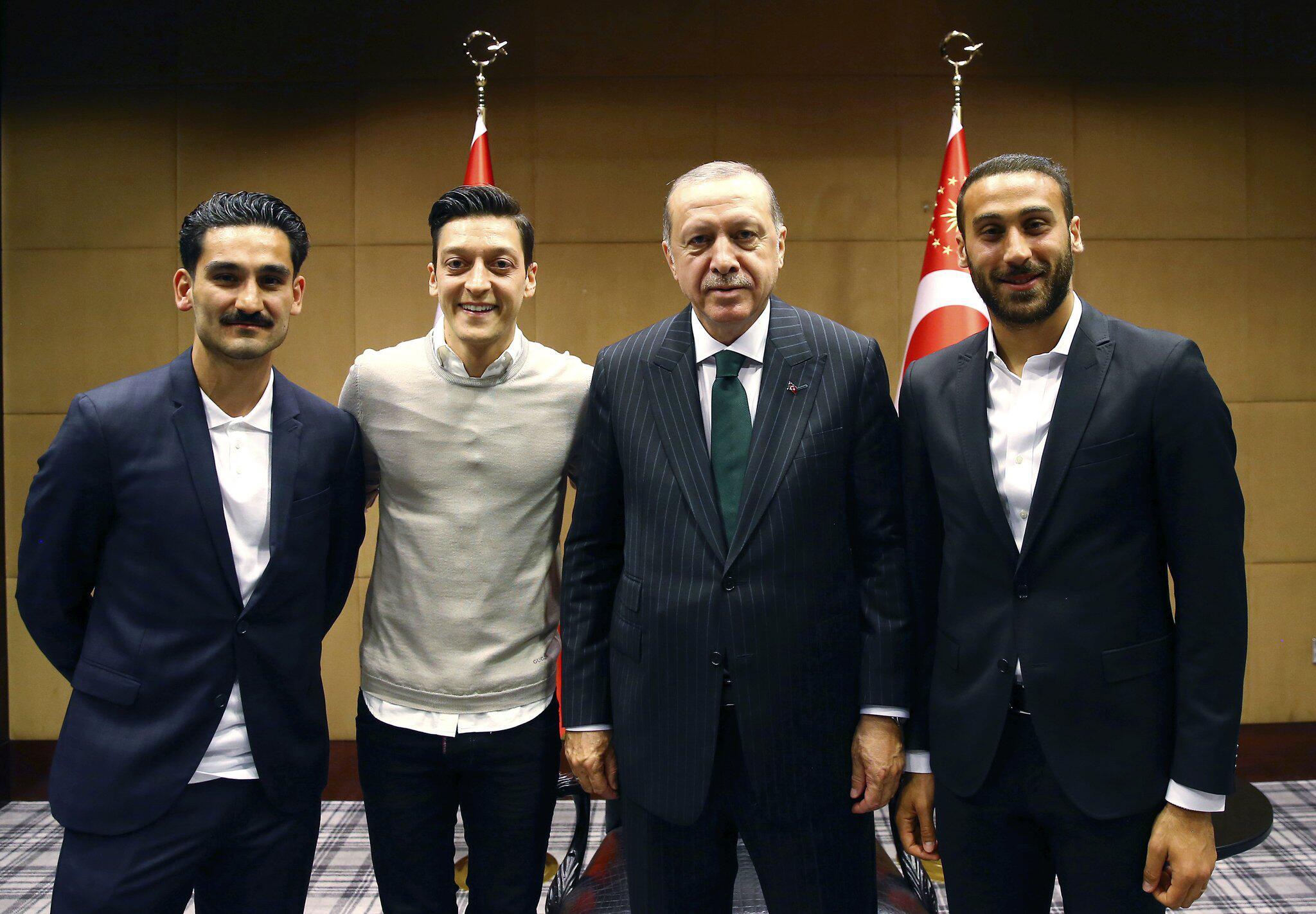 Bild zu Ilkay Gündogan, Mesut Özil, Recep Tayyip Erdogan