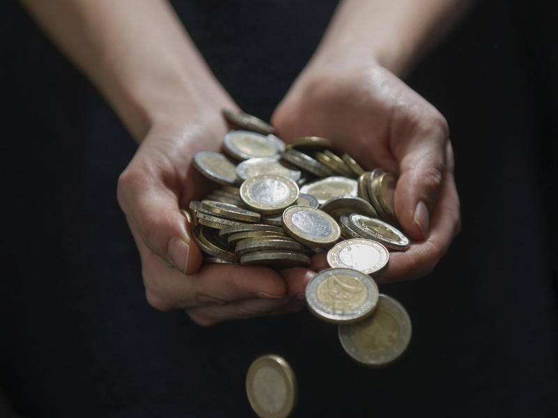 Bild zu Münzen in Händen