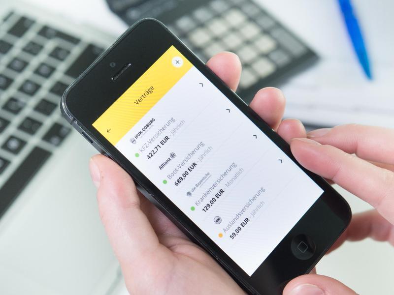 Bild zu Smartphone mit Makler-App