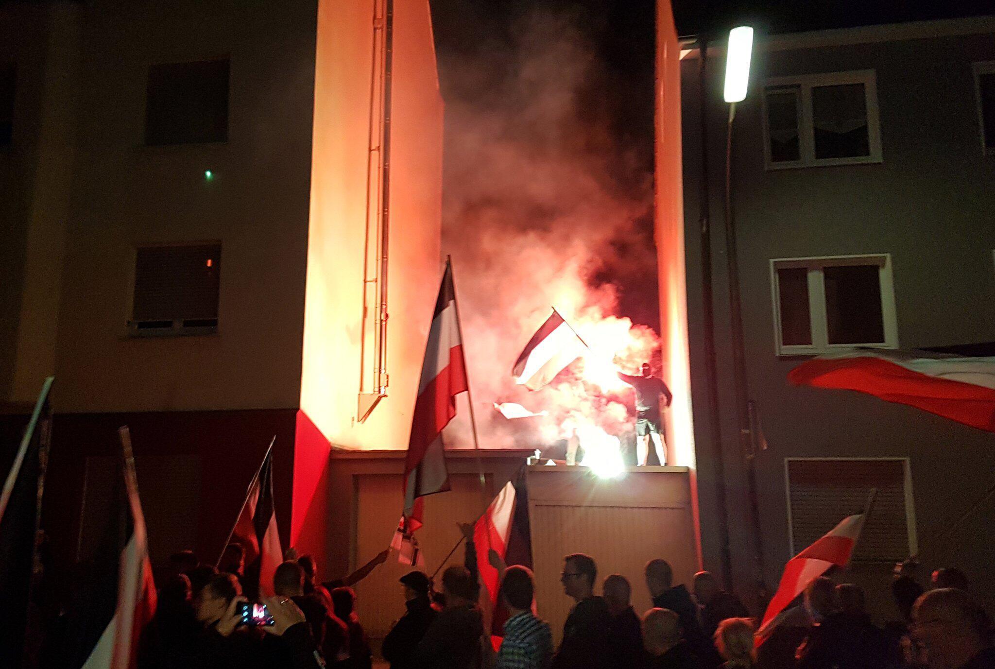 Bild zu Rechtsextreme demonstrieren in Dortmund