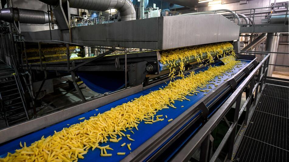Produktion von Pommes in Belgien