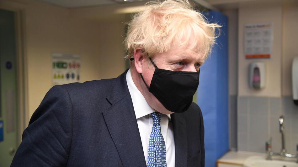 Premierminister Johnson besucht Krankenhaus