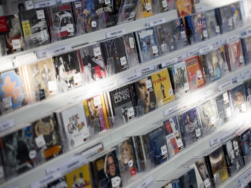 Bild zu CDs noch immer umsatzstärker als Streaming