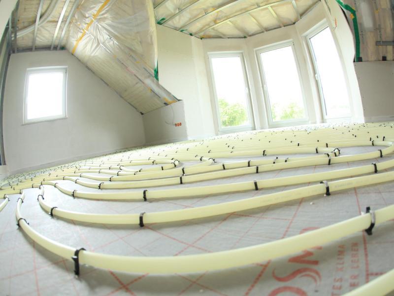 ein warmes zuhause fl chenheizung f r w nde und b den web de. Black Bedroom Furniture Sets. Home Design Ideas