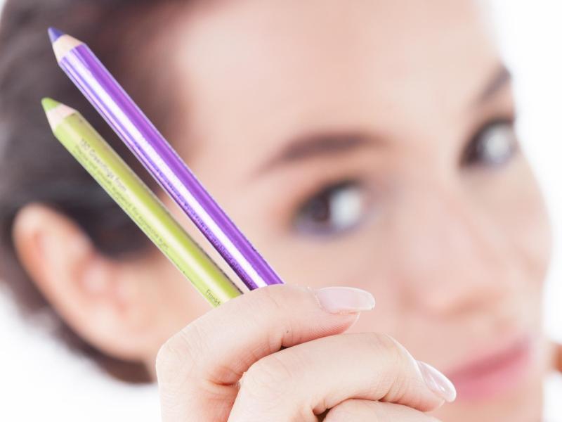 Bild zu Alternative Eyeliner-Farben