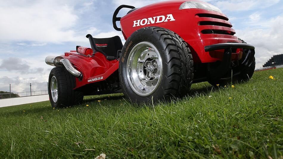 "Umgebauter Rasenmäher: Honda ""Mean Mower"""