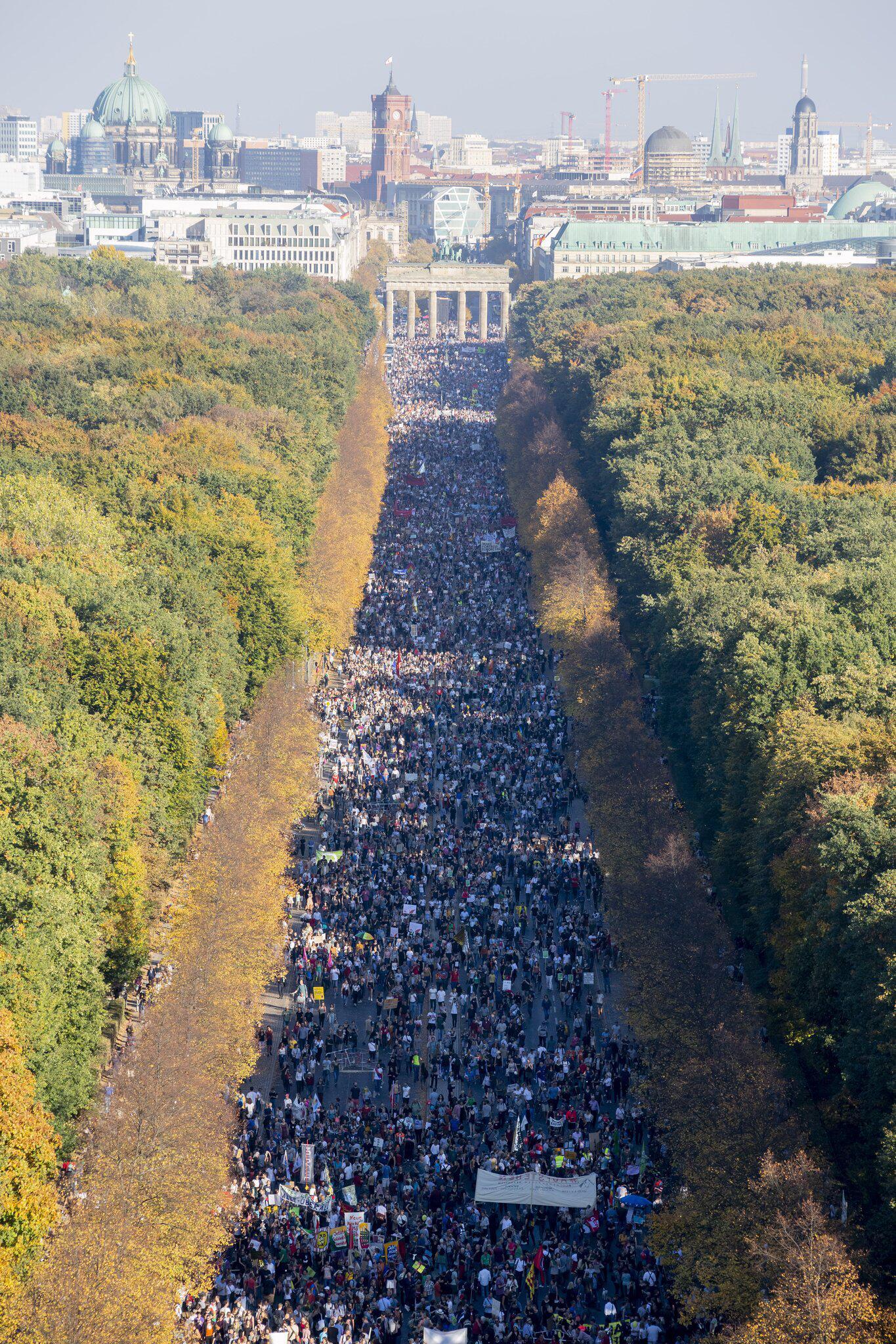 Bild zu Demonstration against racism in Berlin