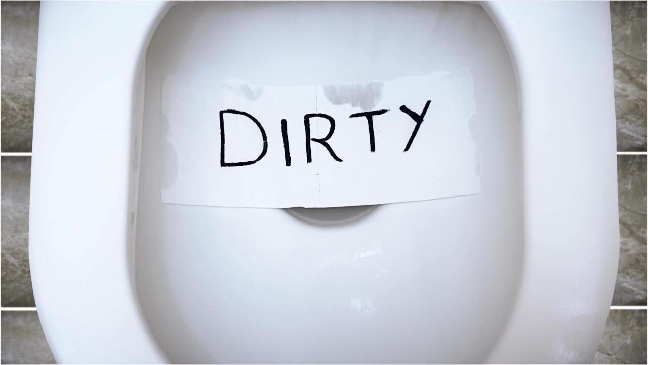 Bild zu Dirty Toilet
