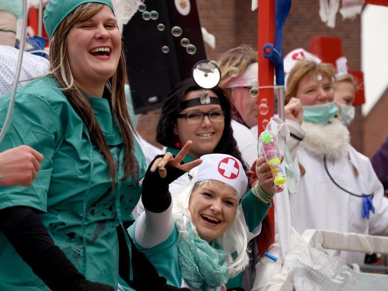 Bild zu Karnevalskostüm Krankenschwester