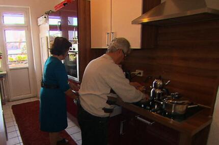 Ungewöhnlicher Vorschlag: Rentner ziehen für Familien aus