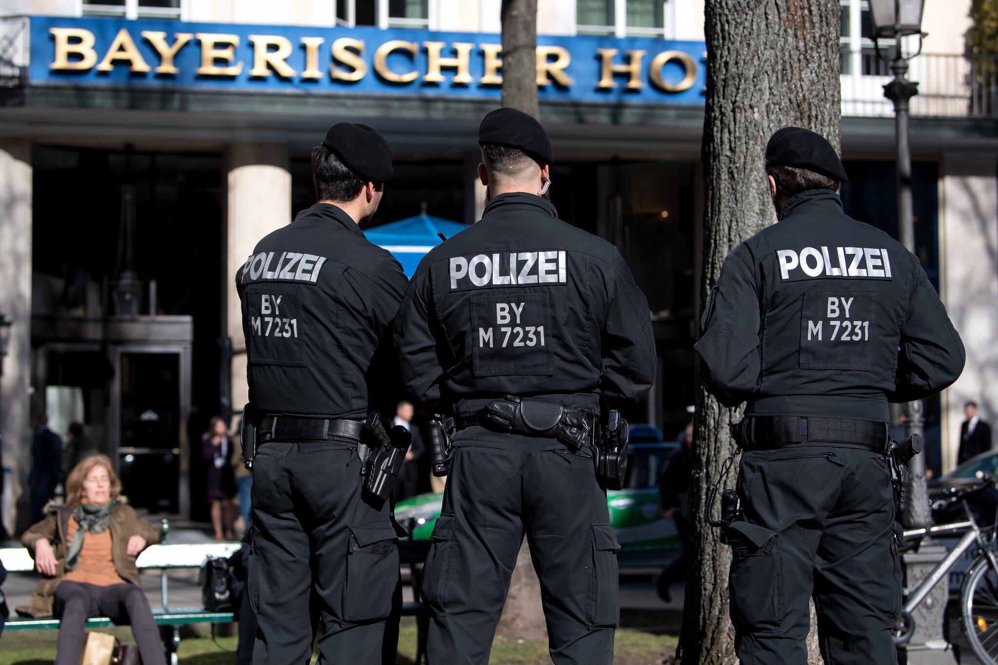 Bild zu Münchner Sicherheitskonferenz, Polizei, Bayerischer Hof