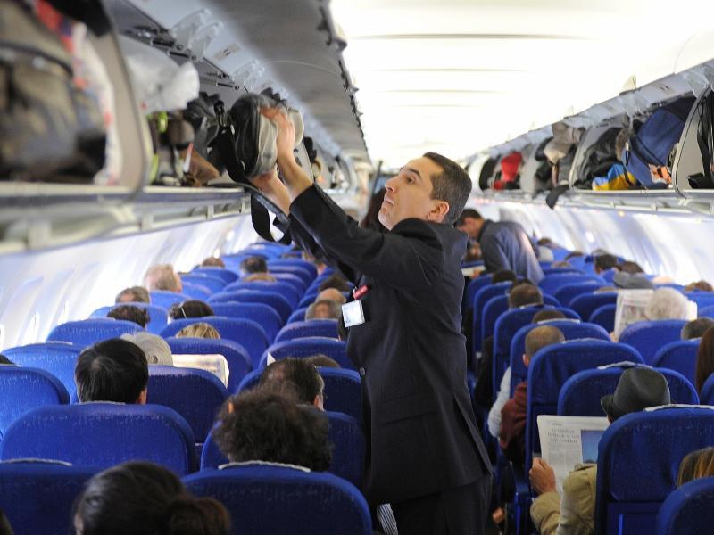 Bild zu Im Flugzeug