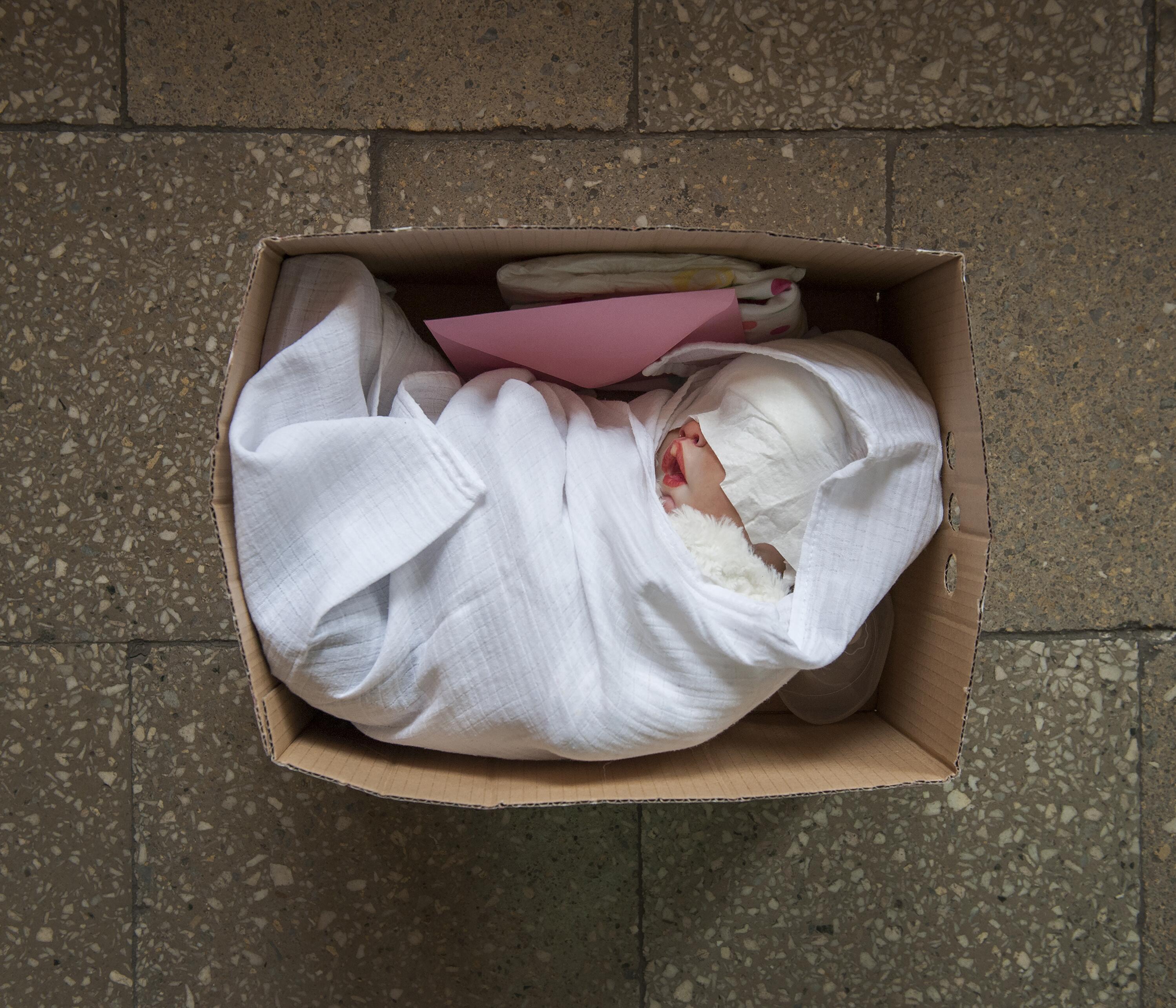Bild zu Polen, Baby, Puppe