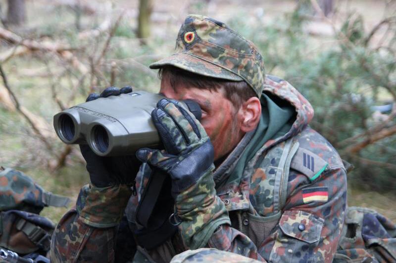 Sanitäter logo bundeswehr  Von Soldat bis Sanitäter: Die Bundeswehr als Arbeitgeber   WEB.DE