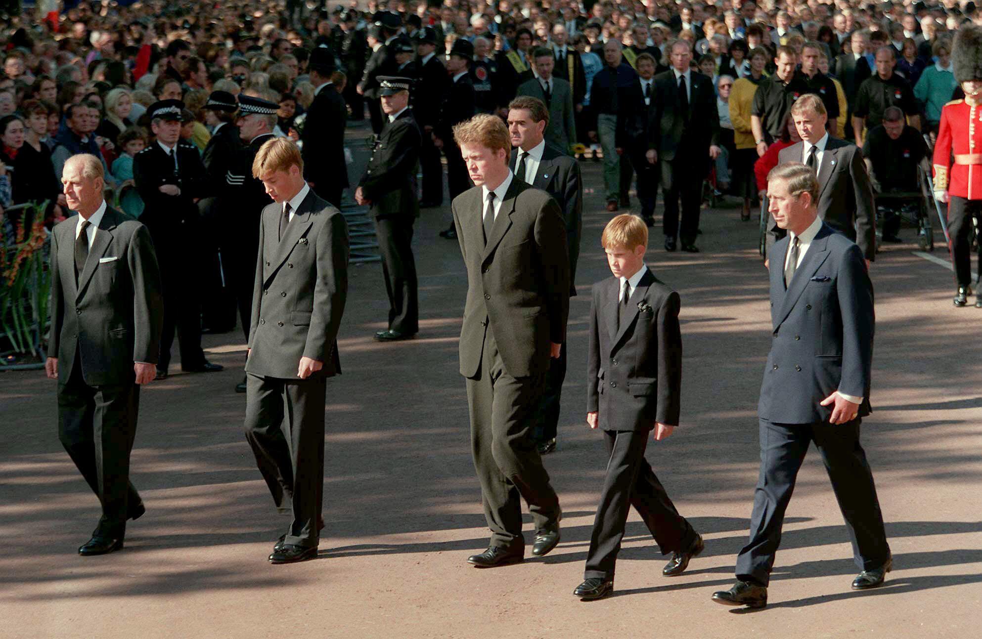 Bild zu Prinz Philip, Prinz William, Prinz Harry, Prinz Charles